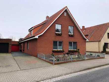 Großes Zweifamilienhaus mit Wintergarten und Garage