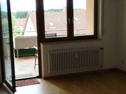 Gepflegte 3,5-Zi.-Wohnung mit Balkon und Einbauküche in Friedrichshafen