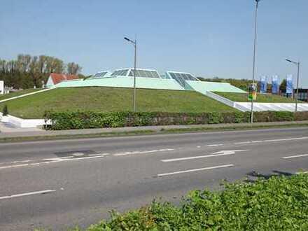 Kunst-Pyramide! Bürohaus mit Kunstwerken des Künstlers Prof. Heinz Mack