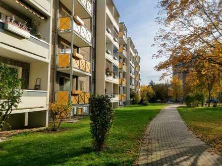 Langjährig vermietete 3 Zimmer-Wohnung mit Balkon und in Gera