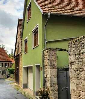 Freundliche 2-Zimmer-Wohnung mit EBK in Frickenhausen am Main