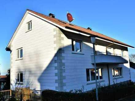 Schöne Doppelhaushälfte mit Garten in Büchenbronn.