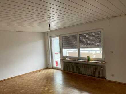 Modernisierte 4-Zimmer-Wohnung mit Balkon in BRETTEN