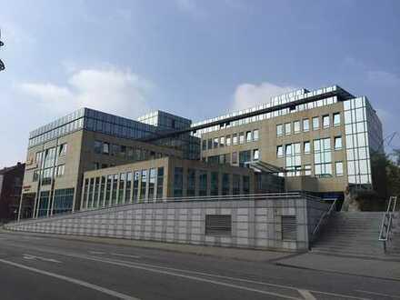 15230 FFo - Büroräume am Platz der Einheit zu vermieten