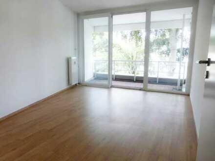 sanierte 3-Zimmerwohnung mit Balkon und EBK im Herzen von Lichterfelde