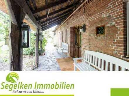 Wunderschönes Reethdachhaus mit großem Garten in Blumenthal