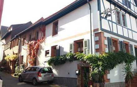Renoviertes, liebevoll gestaltetes 1-2 Familienhaus mit Werkstatt und Ausstellungsraum in Annweiler