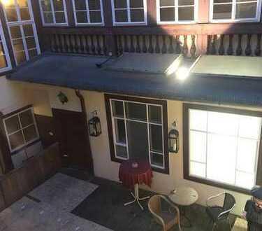 Schöne 3,5-Zimmer-Wohnung mit Balkon und EBK in Coburg