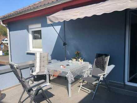 Ansprechende 3-Zimmerwohnung mit Dachterrasse und Gartenanteil