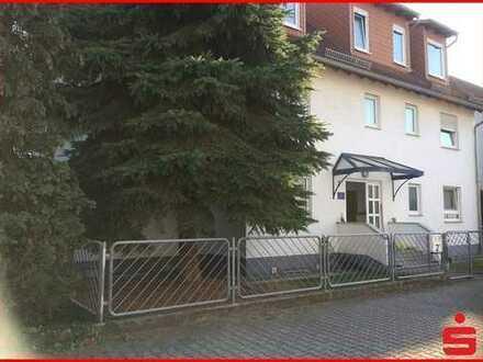 Das Haus im Haus, große Maisonette-Wohnung mit eigenem Garten und Doppelgarage