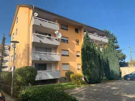 Schöne 3 Zimmer Wohnung mit Balkon in Schwetzingen
