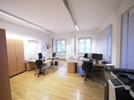 Repräsentative Büroräume in historischem Gebäude direkt im Zentrum von Beilngries (Hauptstraßenlage)
