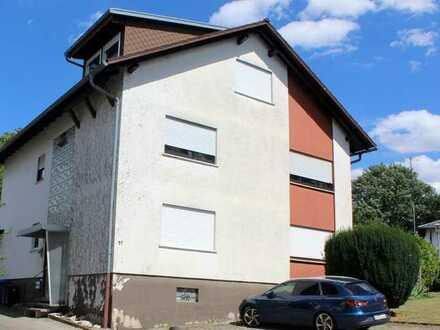 Dachgeschoss Wohnung mit zwei Stellplätzen
