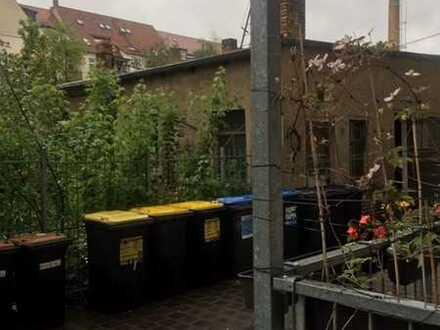 Einzigartiges Hinterhaus mit 400 qm Grundstück zum Selbstausbau