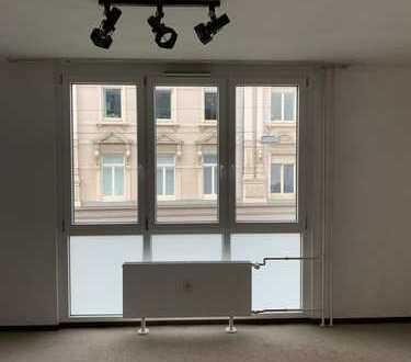 575 €, 38 m², 1 Zimmer
