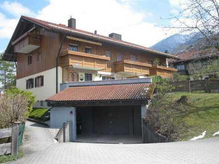 2-Seen-Land: Wohnen, wo Andere Urlaub machen - Charmante Dachgeschosswohnung in Kochel am See