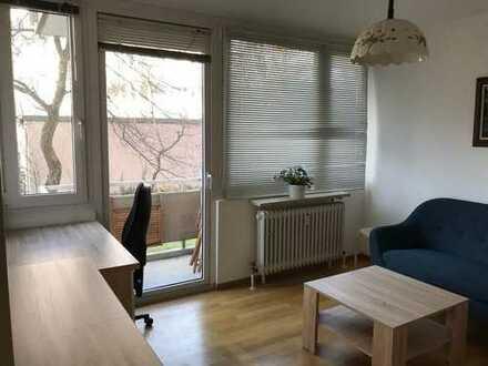Gepflegte 2-Zimmer-Wohnung mit Balkon am Harthof, München