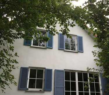Schönes Einfamilienhaus mit idyllischem Garten in zentraler Lage in Bad Pyrmont