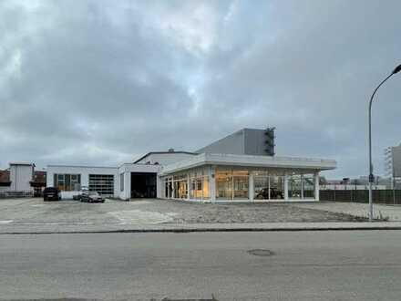 Attraktive Ausstellungshalle mit Werkstatt und Lager in exponierter Lage
