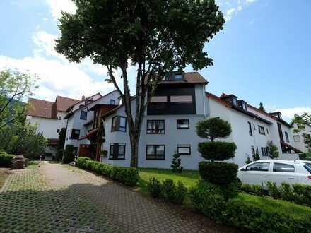 Schöne, helle drei Zimmer Wohnung in Reutlingen (Kreis), Dettingen an der Erms