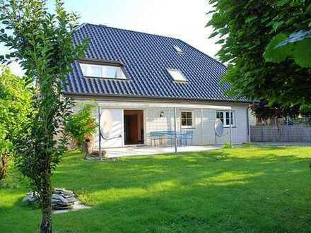 Bestlage Salzkotten Kernstadt, Sackgassendlage...nur 10 Minuten bis Paderborn, 1/2 Familienhaus