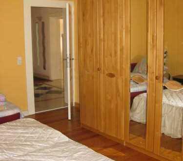1 Zimmer in WG!PROV.FREI, Nahe Hbf, UNI! TOP Wohnung