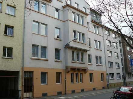 4 Zimmer Wohnung mit Balkon, OF-Nordend - Nähe S-Bahn
