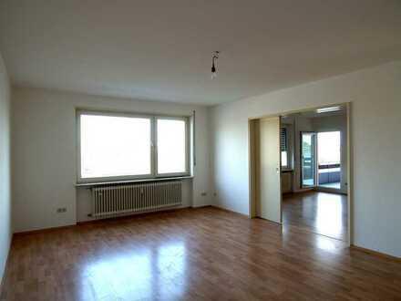 Gepflegte Wohnung mit vier Zimmern sowie zwei Balkonen und EBK in Worms