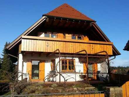 Attraktives Einfamilienhaus mit acht Zimmern in Enzkreis, Neuhausen