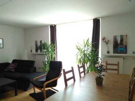 Nachmieter für große, zentrale 5-Zimmer Etagenwohnung nahe Rathenauplatz gesucht