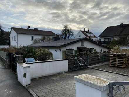 Gegen Gebot: Grundstück mit Altbestand in Ingolstadt Süd