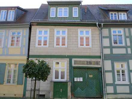 Zentral gelegene 1-Zimmer-Wohnung mit Einbauküche in Wittstock