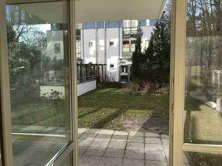 sehr helle Terrassenwohnung mit Gartenanteil