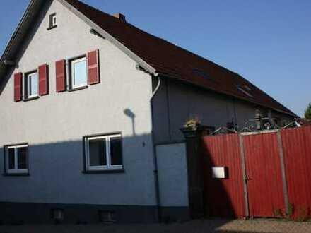 Saniertes, ruhig gelegenes Ein-Zweifamilienhaus in Kleinkarlbach