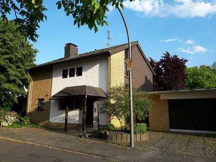 Freistehendes Einfamilienhaus mit Südgarten in Köln, Rath/Heumar
