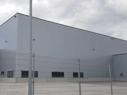 Moderne Logistikhallen nahe BMW Regensburg
