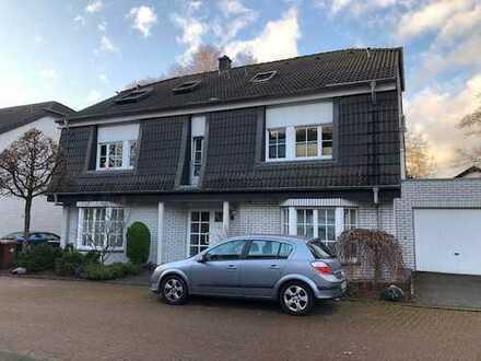 Gepflegte 3-Zimmer-Maisonette-Wohnung am Wald mit Balkon in Bergisch Gladbach-Schildgen