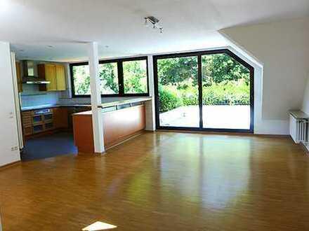 Außergewöhnliche 3, 5 Zimmer Maisonetten-Wohnung inkl Einbauküche im Musikantenviertel von D-Benrath