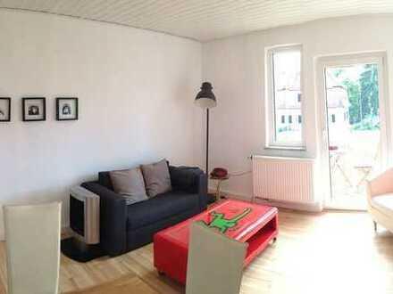 Zentrale und ruhige Wohnung für berufstätige Paare oder Studenten