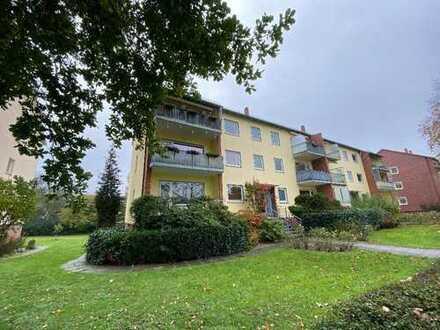 Sanierte Vier-Zimmer-Wohnung mit zwei Balkonen in ruhiger Lage Horns