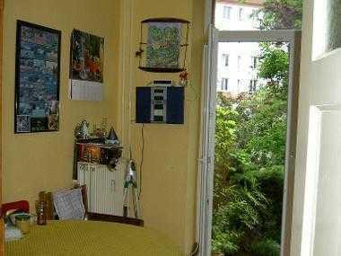 Gemütliches, helles möbliertes Zimmer zu vermieten