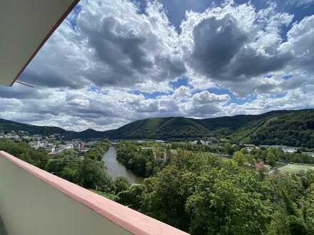 Renovierte 3-Zimmer-Wohnung mit Balkon in Bad Ems, Fernblick über die Lahn