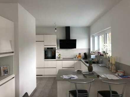 Bensberg, zentrale, moderne Ruhiglage in privater Wohnanlage, 4-Zimmer-Penthousewohnung