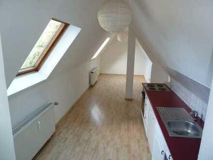Lichtdurchflutete Single Dachwohnung im grünen Marl- Sickingmühle zu vermieten!