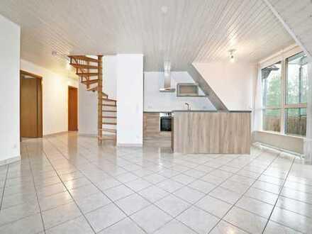 Dem Himmel so nah: Helle Maisonette-Wohnung in moderner Ausstattung