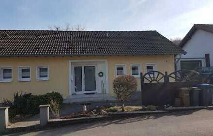 Ruhiges Ein-Familienhaus mit Einliegerwohnung im Rheinisch-Bergischen Kreis, Nähe Herkenrath
