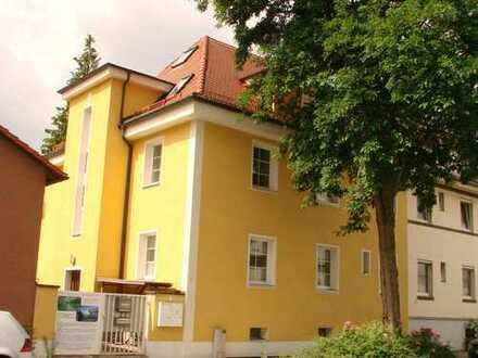 Reserviert: Perfekte Lage, sanierter Altbau: 3,5-Zimmer in Bayreuth Altstadt, direkt am Röhrensee