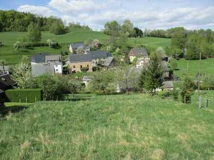Ländlich gelegenes Baugrundstück für Ein- Zweifamilienhaus mit herrlichem Ausblick