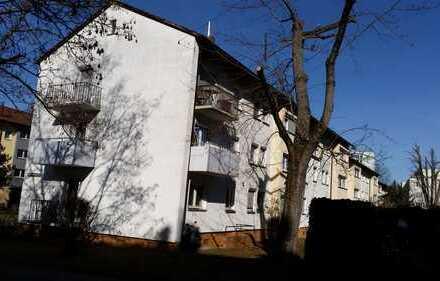 Stilvolle, modernisierte 2-Zimmer-Wohnung mit Balkon in Stuttgart