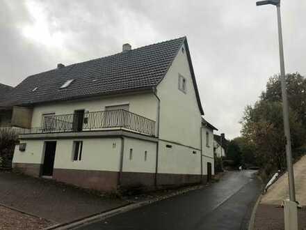 Schönes alte Wohnhaus mit riesigem Gartengrundstück
